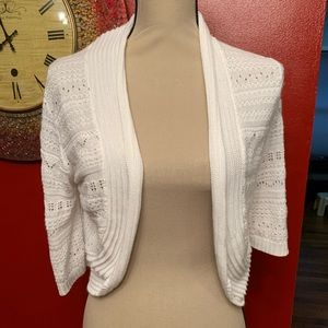 Yarn Art White Knitted crop sweater Size Large